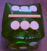 Dice : MINT26 UNKNOWN 16 INCH INFLATABLE 02